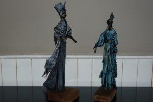 Statuette + vêtement 65€